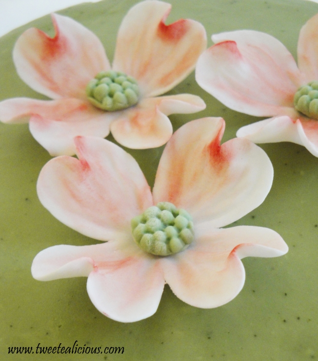 Dogwood Green Tea Cake Flower Detail